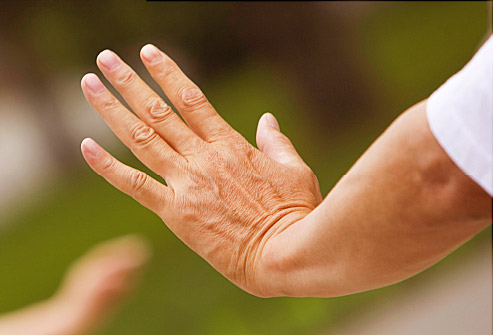 advantages-of-recognizing-early-signs-of-parkinsons-disease