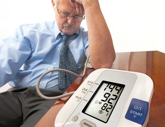 automatic-blood-pressure-monitors