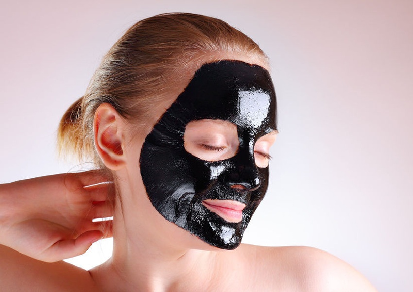 Home face masks with activated charcoal for the face