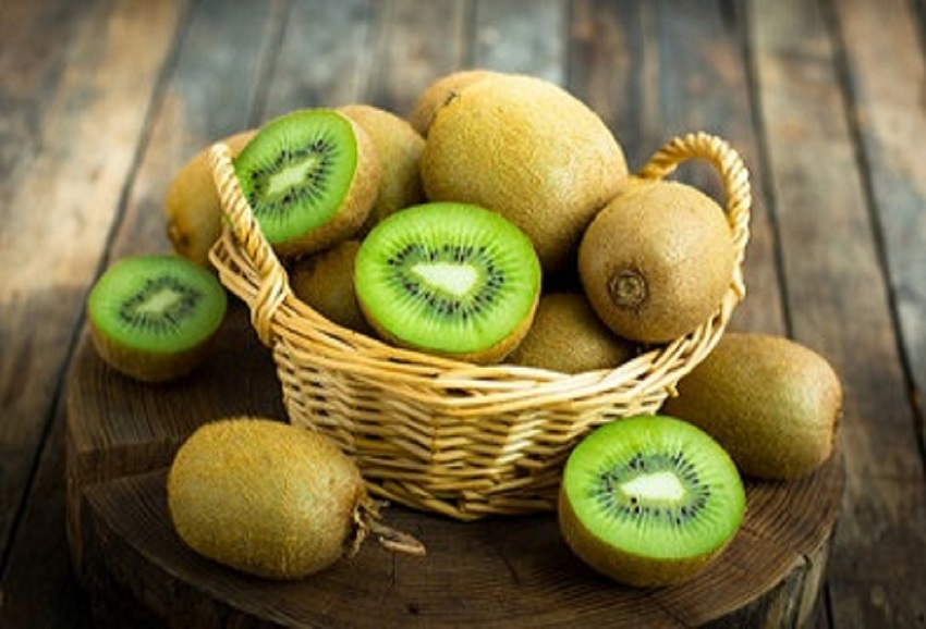 Properties and benefits of kiwi, the winter fruit ally of the intestine